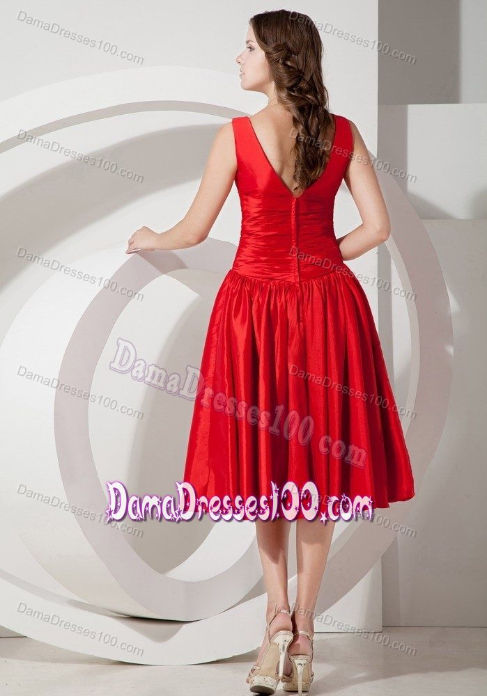Tea-length V-neck Ruched Taffeta Red Dama Dresses for Quinceanera
