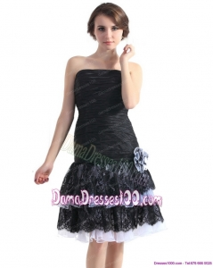 2015 Black Short Dama Dresses with Ruching and Hand Made Flower