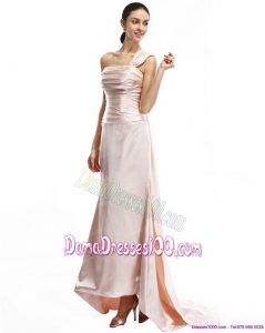 Champagne One Shoulder Ruching Dama Dresses with Brush Train