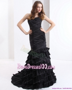 Brush Train Pleated Black Dama Dresses with One Shoulder and Ruffled Layers
