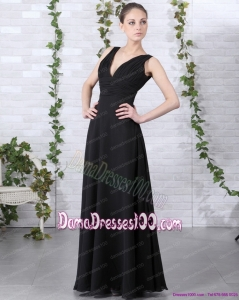 2015 Affordable V Neck Floor Length Long Dama Dress in Black