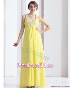 2015 Cheap Halter Top Yellow Dama Dresses with Floor Length