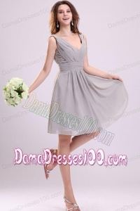 Empire Gray V-neck Ruching Chiffon Knee-length Dama Dress