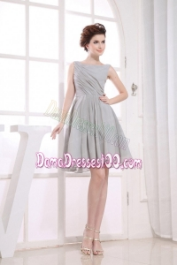 Bateau Grey knee-length Chiffon Dama Dress