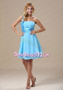 Light Blue One Shoulder Ruch Sweetheart Knee-length Dama Dress