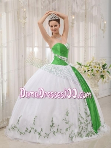 White Ball Gown Sweetheart Floor-length Organza Embroidery Quinceanera Dress