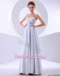 Simple Hand Made Flowers Empire Dama Dresses in White