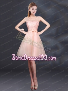 2015 Sturning A Line Belt Dama Dress with Scoop