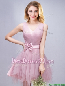 Fashionable V Neck Pink Short Dama Dress with Ruffles and Bowknot