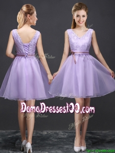 2017 Classical V Neck Lavender Short Dama Dress with Belt and Lace