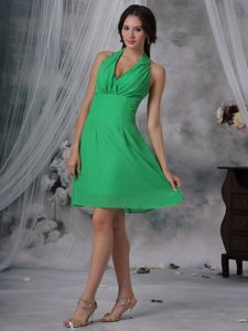 Spring Green Halter Knee-length Damas Dresses with Cool Back