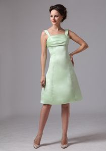 Apple Green Knee-length Dama Quince Dresses with Open Back