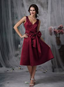 V-neck Satin Bow Wine Red Tea-length Dama Dress with Butterfly Bow