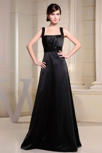 Black Straps A-line Floor-length Dama Quinceanera Dresses with Belt