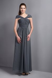 Grey Chiffon V-neck Cap Sleeves Cocktail Dresses For Dama with Cool Back