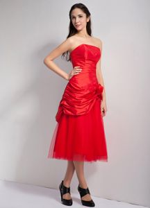 Tea-length Red Quinceanera Dama Dresses with Hand Made Flowers