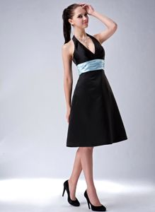 Black Princess Halter Knee-length Satin Cocktail Dresses For Dama with Sash