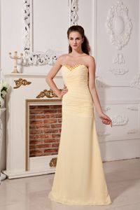 Column Sweetheart Light Yellow Ruched Quinceanera Dama Dresses
