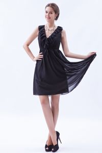 Little Black Chiffon Quinceanera Damas Dress with Ruffled V-neck