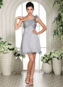 New Arrival One Shoulder Pleated Mini Dama Quinceanera Dresses