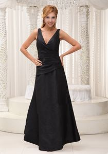A-line V-neck Black Long Quince Dama Dresses for 2013 Winter