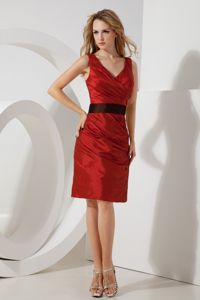 Taffeta V-neck Ruched Red Bridesmaid Dama Dresses Knee-length