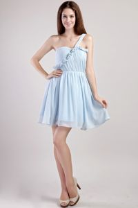 Light Blue One Shoulder Mini-length Dama Dress for Quinceanera