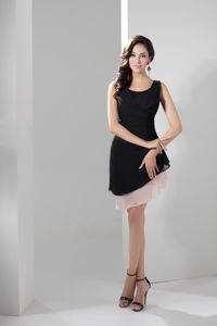 Scoop Neck Mini Length Dama Dresses For Quinceaneras in Black