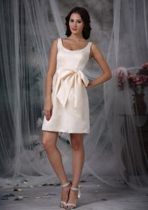 Off White Mini-length Taffeta Prom Dresses For Dama with Bow
