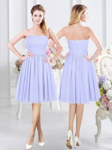 Strapless Sleeveless Quinceanera Dama Dress Knee Length Ruching Lavender Chiffon