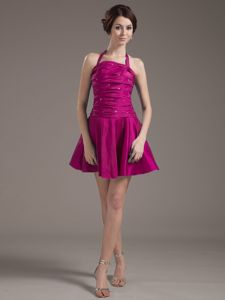 Halter Fuchsia Quinceanera Dama Dresses with Beading and Ruches