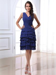V-neck Royal Blue Dama Dresses with Ruffles and Hand Flowers