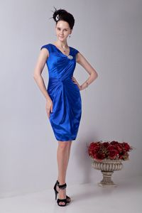 V-neck Knee-length Taffeta Dama Dress with Beading in Royal Blue
