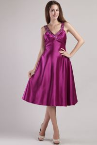 Fuchsia V-neck Short Satin Dama Quinceanera Dresses with Beading