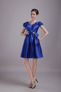 V-neck Short 15 Dresses For Damas in Blue Taffeta with Beading