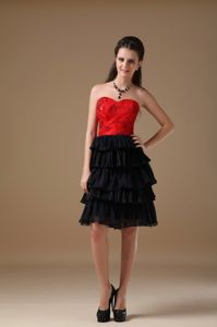 Sweetheart Knee-length Black and Red Beaded Dresses For Damas