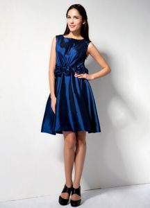 Scoop A-line Knee-length Royal Blue Dama Dress with Flower