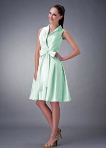 Discount Apple Green A-line V-neck Ruches and Bow Dama Dress