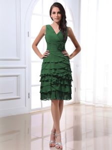 Olive Green V-neck Dama Dress With Ruffled Layers and Flower