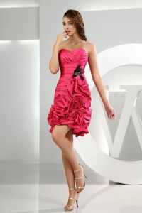 Sweetheart Ruching and Pick-ups Red Quinceanera Dama Dress