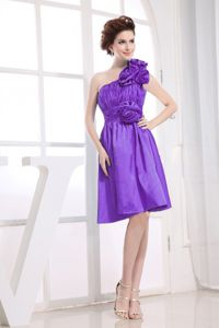 One Shoulder Hand Made Flowers Short Damas Dress in Purple