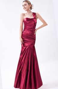 Ruched Mermaid Wine Red One Shoulder Taffeta Dama Dresses