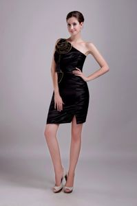 One-shoulder Black Mini-length Satin Flowers Dama Dresses