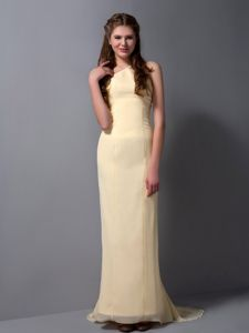 Halter Light Yellow Chiffon Dama Dresses with Brush Train