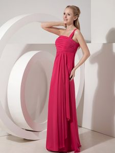 One Shoulder Ruched Chiffon Quince Dama Dress in Coral Red