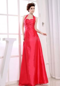 Red A-Line Ruching Floor-length Halter Damas Dresses For Quince