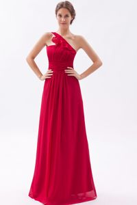 Ruffled One Shoulder Floor-length Wine Red Chiffon Dama Gowns
