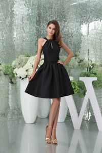 Key Hole in Bust Straps Black Satin Knee-length Party Dama Dress