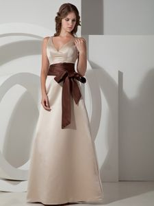 V-neck Sash Lace Up Floor-length Taffeta Quinceanera Dama Dress