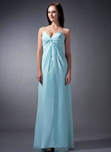 Sweetheart Ruched Baby Blue Chiffon Floor-length Dama Dresses